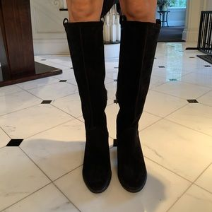 UGG TALL AND SO COMFORTABLE BOOTS